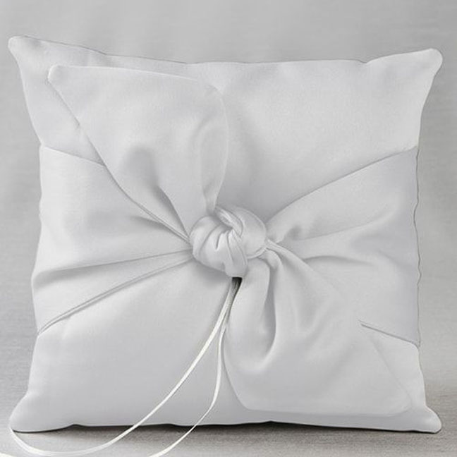 IVY LANE LOVE KNOT RING PILLOW