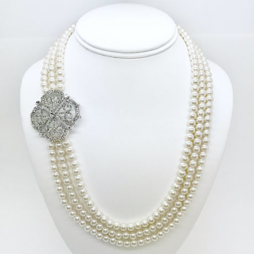 FAMILY JEWELS INTERNATIONAL NECKLACE 8724